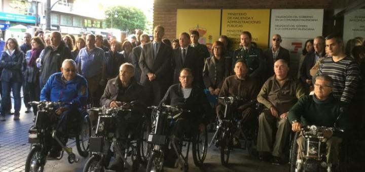 MINUTO SILENCIO DELEGACION GOBIERNO ATENTADOS FRANCIA1